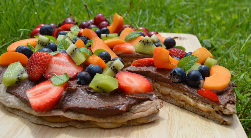 healthy dessert pizza