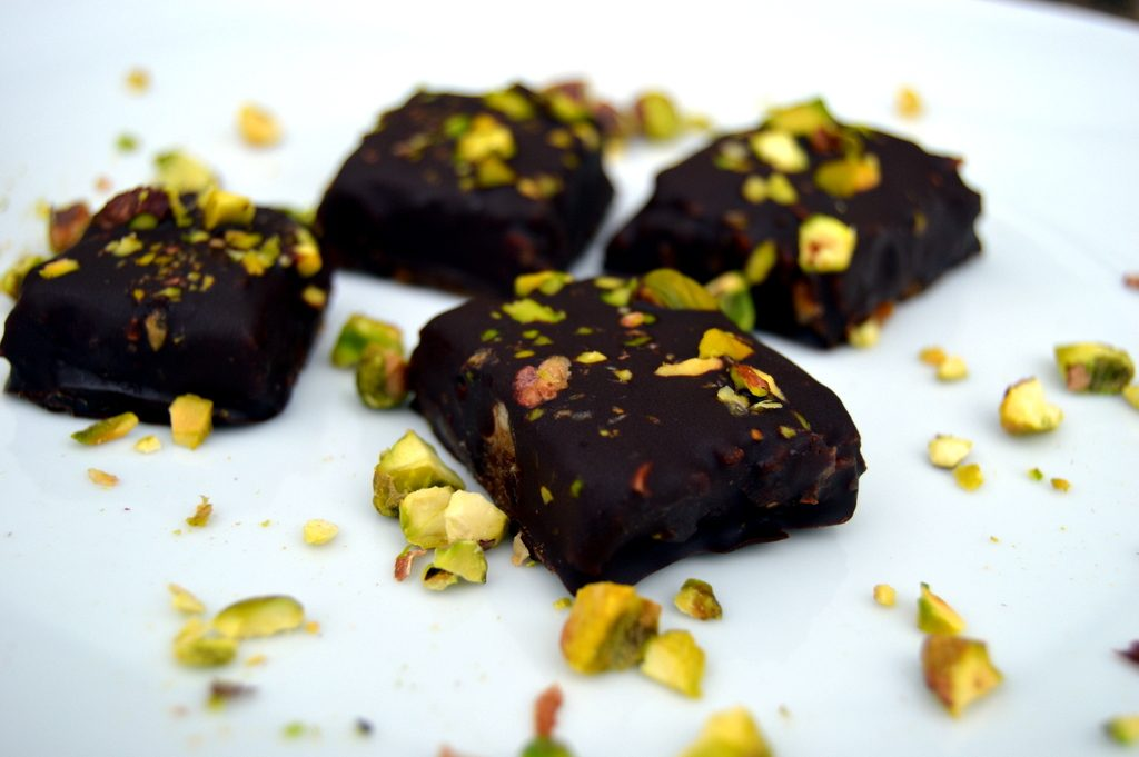 salted caramel snickers with pistachio topping