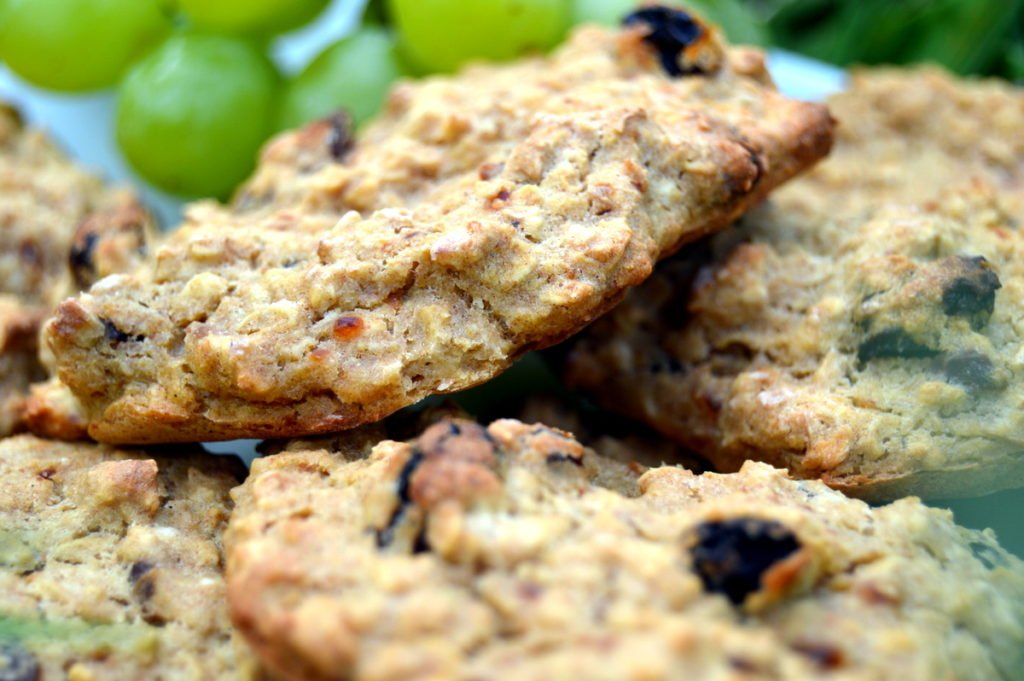 raisin banana oat healthy cookie biscuits close up