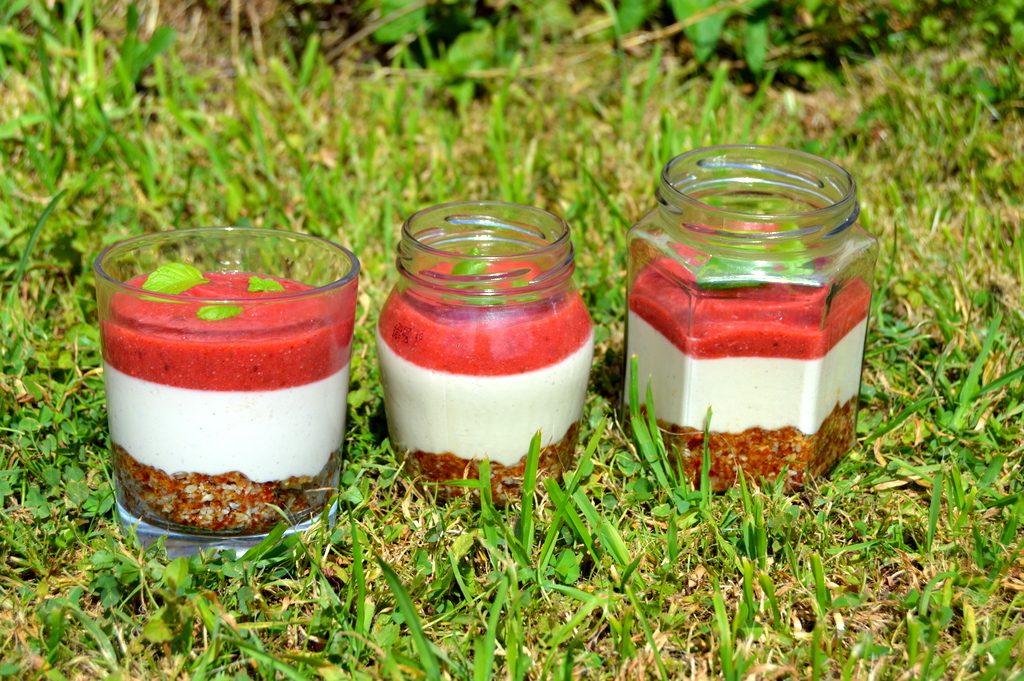 Raw Strawberry Cheesecakes in jam jars