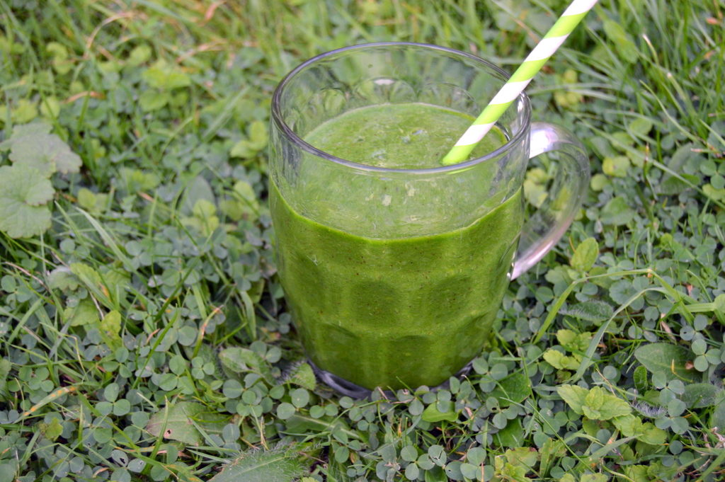 Clear Glowing Skin Green Smoothie