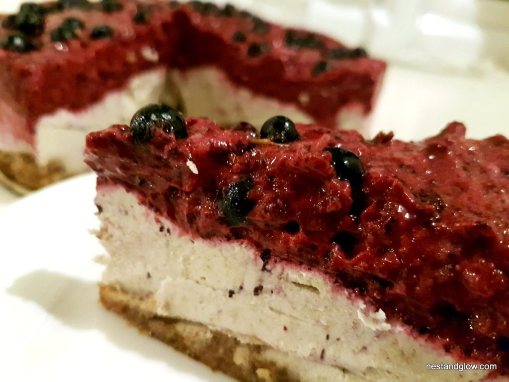 Blackcurrant vegan Dreamcake