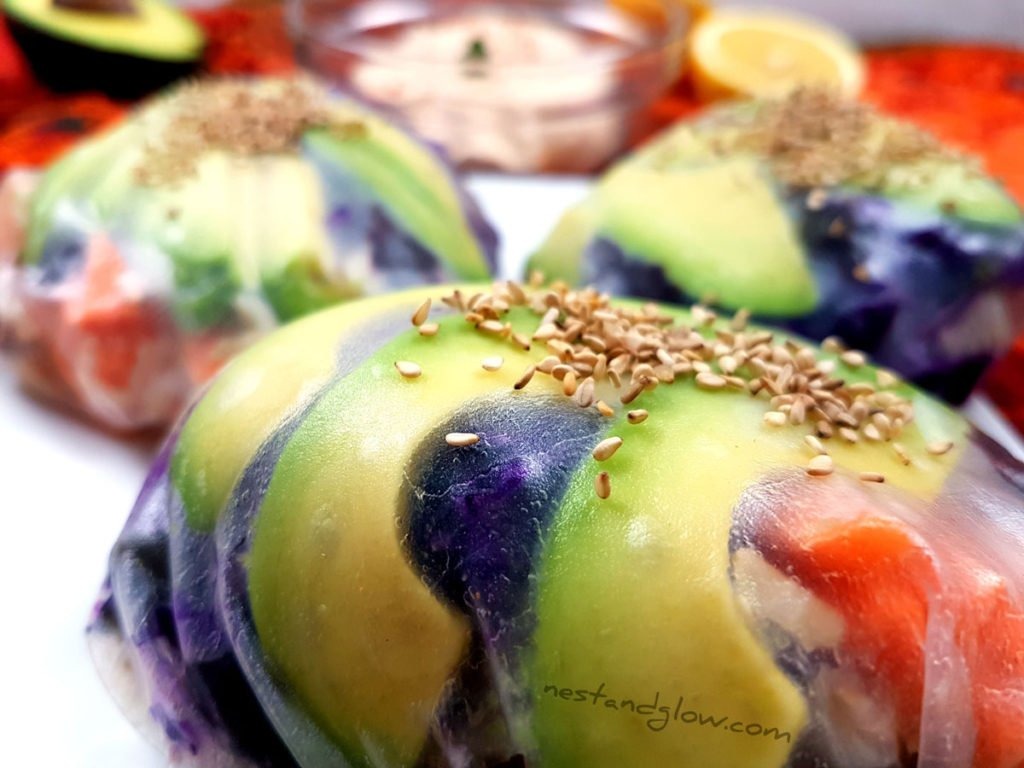 Close up of Sushi Spring Buns filled with avocado, carrot and brown sushi rice