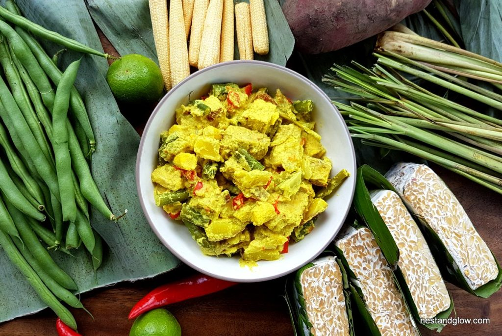 Golden Tempeh Curry with lemongrass, coconut, chilli and lime