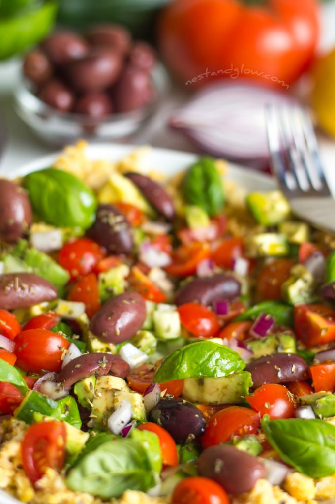 Greek salad hummus bowl