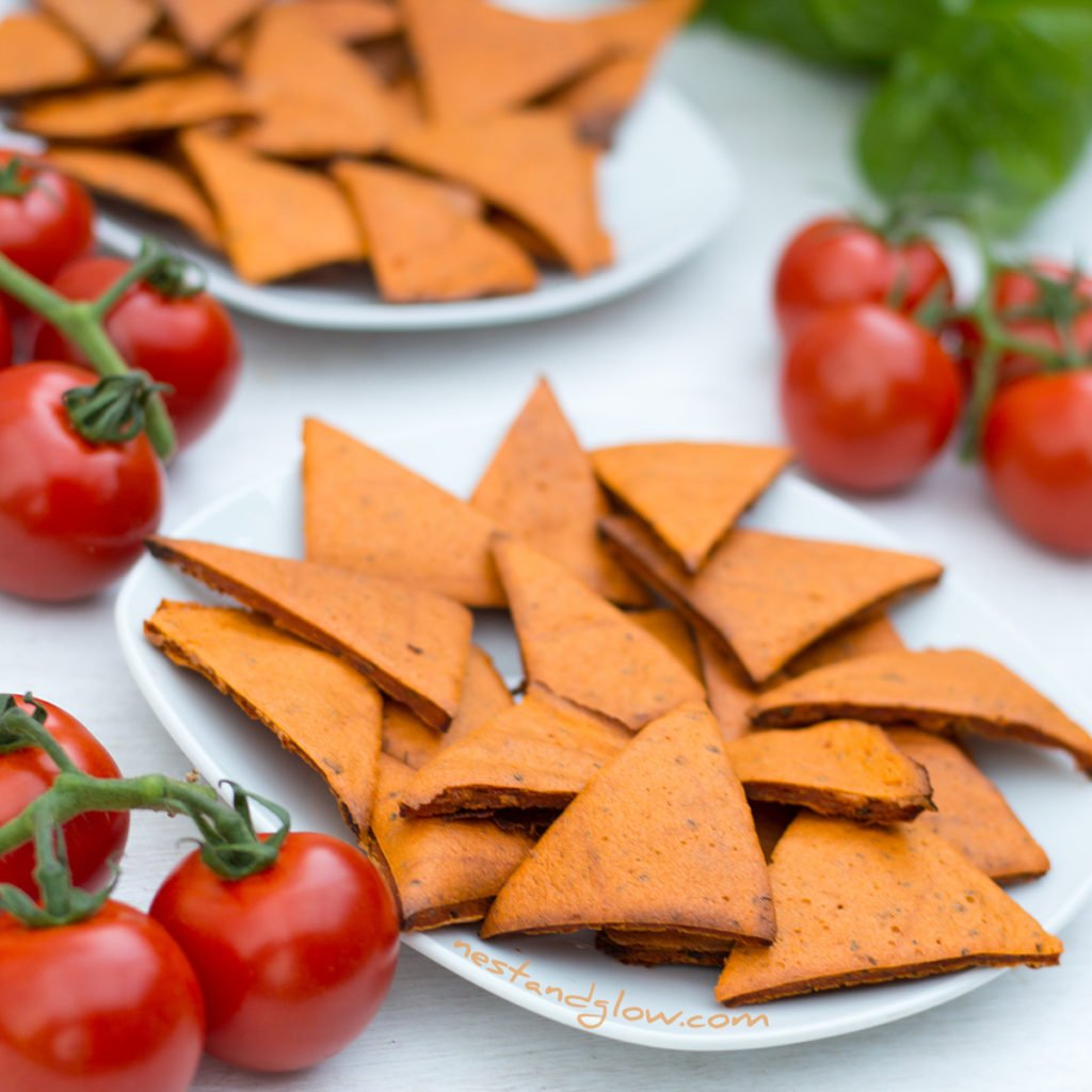 Tomato and Basil Lentil Chips Oil-free