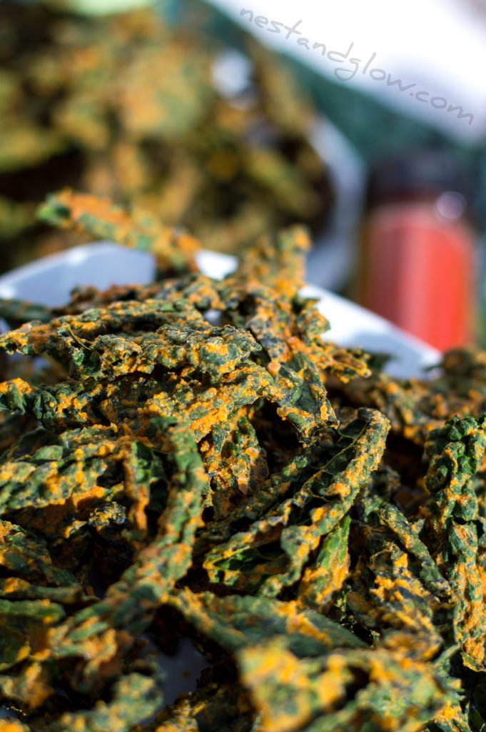 Vegan raw sunflower kale crisps