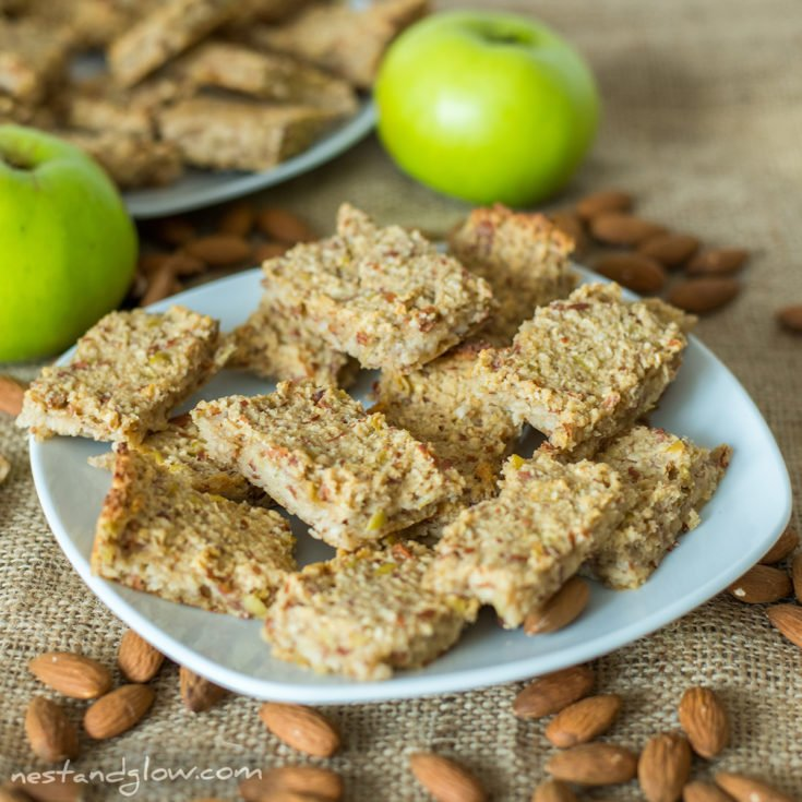 3-Ingredient Apple Almond Breakfast Bars