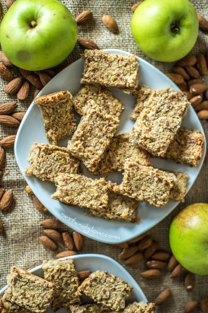 gluten free apple almond oatmeal bars