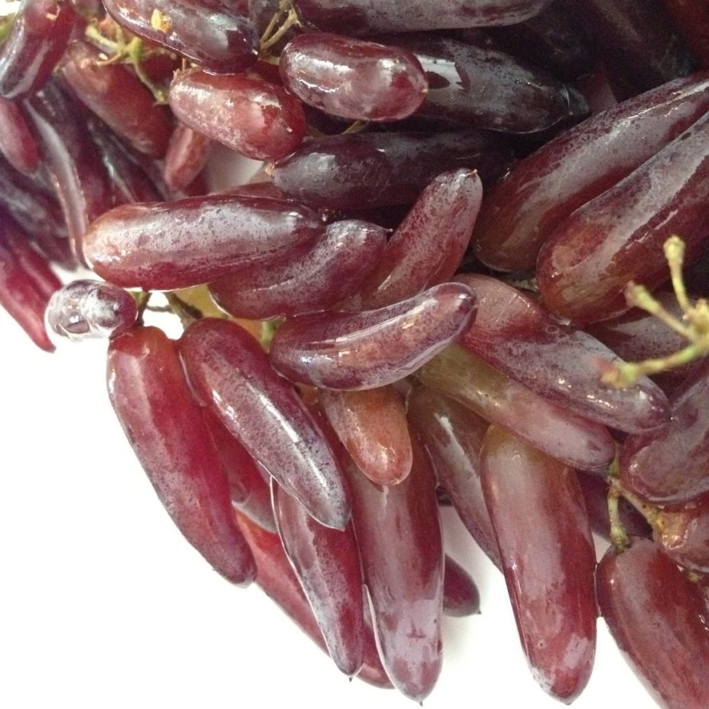 teardrop grapes
