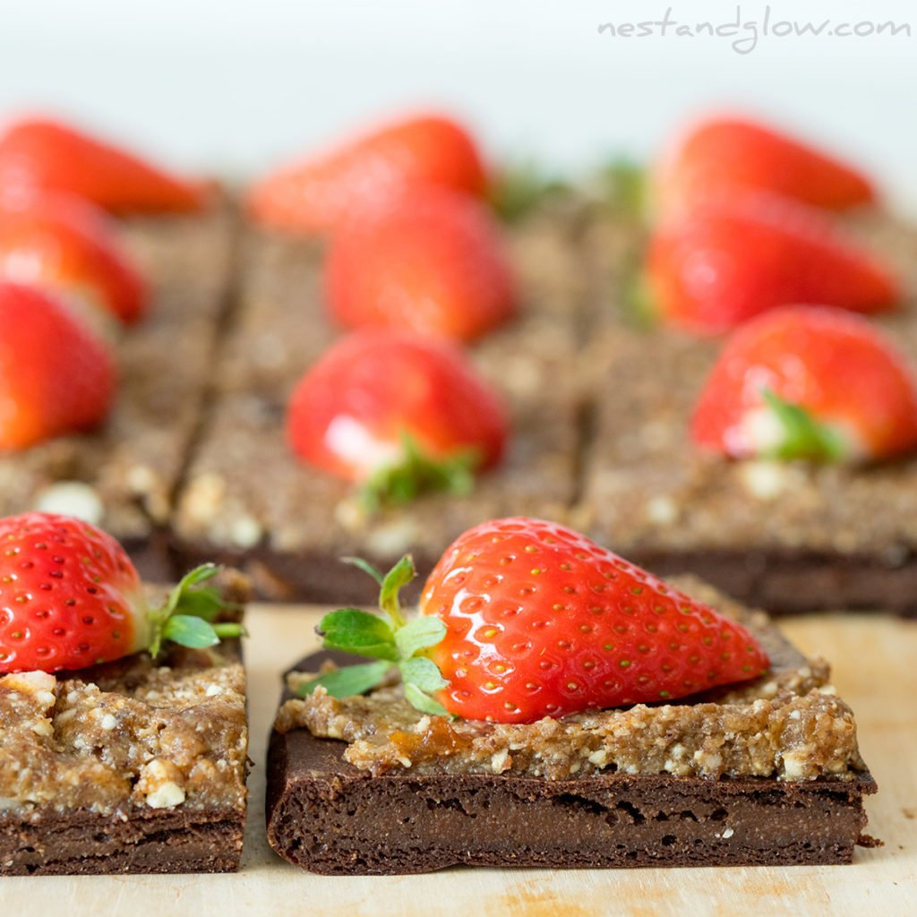 the frosting for these healthy brownies is just made from nuts and fruit. It isnt really smooth but it's really tasty and the hazelnut goes so well with chocolate