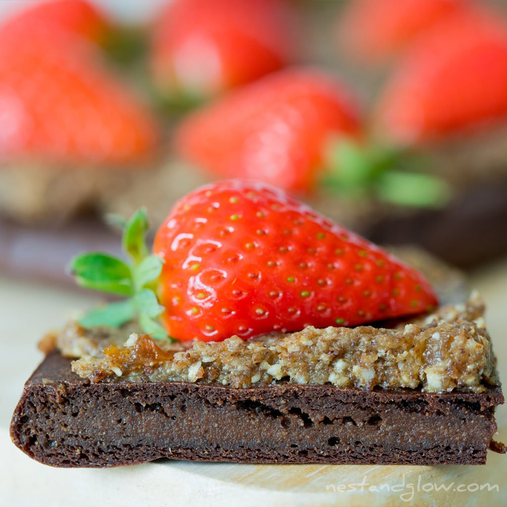 healthy gluten free brownie recipe that doesn't taste like it's healthy. free of wheat, sugar, gluten, eggs and butter.
